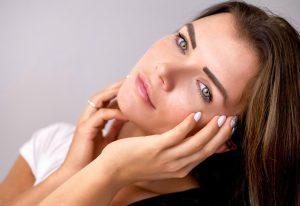 Cómo tratar la flacidez facial sin cirugía