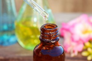 Propiedades y contraindicaciones del uso del aceite de la rosa mosqueta en la piel