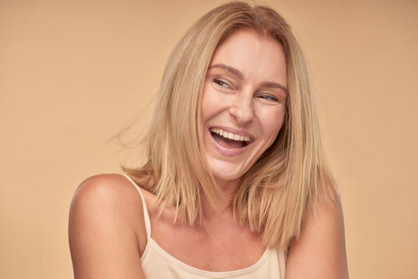 Lee más sobre el artículo Cómo cuidar la piel madura: los mejores tips para mantener tu piel joven
